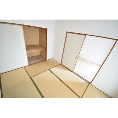 【和室】すぐに横になれる和室はみんながホッと一息つける空間。