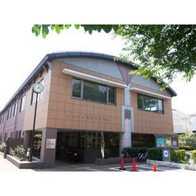 杉並区立高井戸図書館