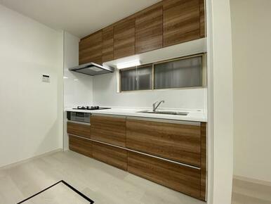 キッチンは新品交換済みです。