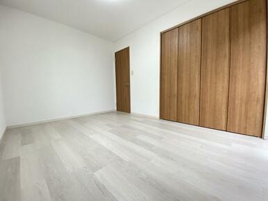 2階南側洋室です。