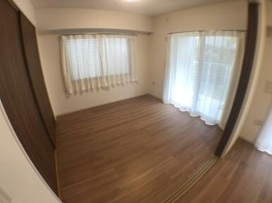 【洋室】嬉しい各部屋収納付き♪