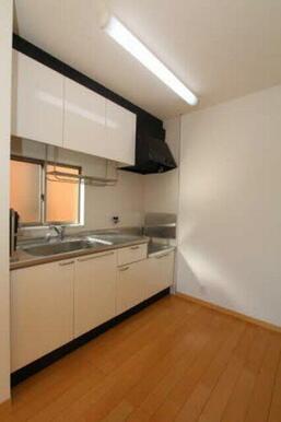 ゆったりめのキッチンはお料理の選択を広げてくれます。