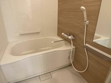 「浴室」新品に交換済みです。日々の疲れは綺麗なお風呂で洗い流してしまいましょう!
