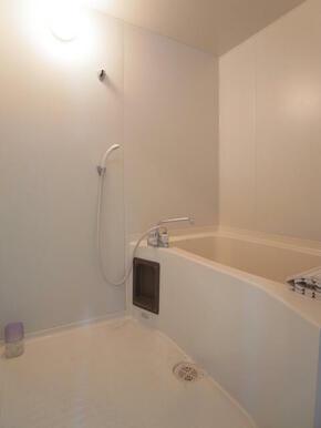 バストイレ別になります。都市ガス使用です