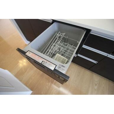 便利な食洗器付きで日々の家事もらくになります♪