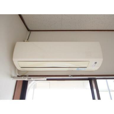必需品のエアコンも設備