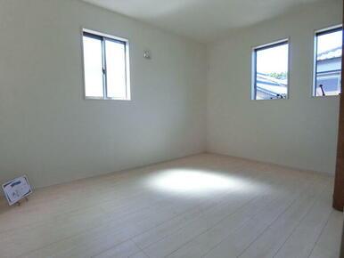 2階北西側洋室6帖