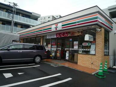 セブンイレブン横浜下倉田町店