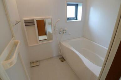 バスルームは安全性に配慮したユニバーサルデザイン採用しております★