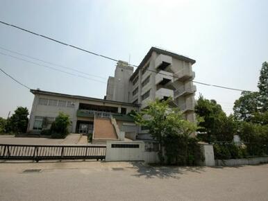 越谷市立新栄中学校※お子様の通学に関しましては行政機関に再度ご確認ください。