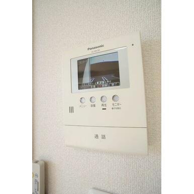 【TVドアホン】お部屋にいながら玄関の様子がわかるモニター付き◎自動録画機能付きで、不在時の来客者も