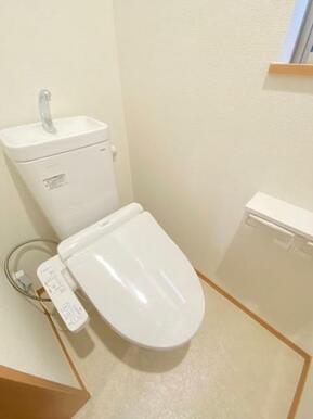 トイレ周りはスッキリとして清潔感があります。