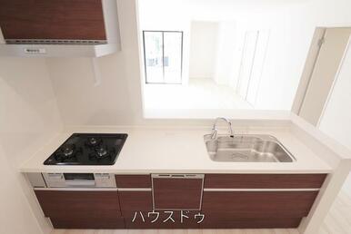 開放感のあるオープンキッチンですよ♪汚れもササッとふけて、お掃除もしやすそうですね(^^)キッチン…