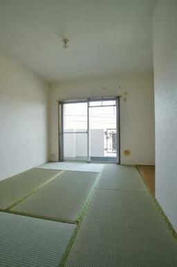 和室。写真は別室のものです。