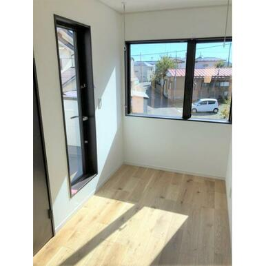 全てのお部屋に収納&窓を備え広さを問わず快適にお過ごし頂けます。