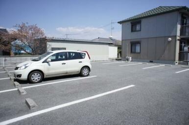☆敷地内に駐車場2台付です☆