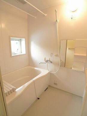 もちろん追焚給湯で浴室暖房乾燥機も付いています。
