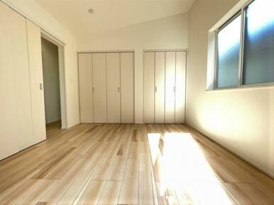【洋室】各部屋収納スペース充実♪