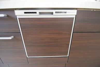便利な食洗器付きで日々の家事も楽になりそう!