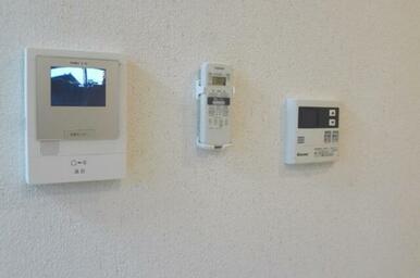 【テレビモニターホン等】一人暮らしでもプライバシー・セキュリティ面は気になるもの。テレビモニターホン
