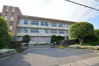 苅田町立 与原小学校
