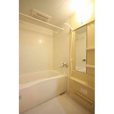 ◆浴室◆浴室乾燥機+追焚給湯付き☆