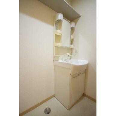◆洗面台◆忙しい朝も便利な洗髪洗面化粧台☆
