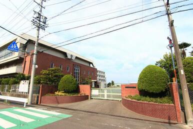 栗島小学校