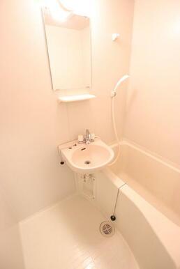 浴室内に洗面台