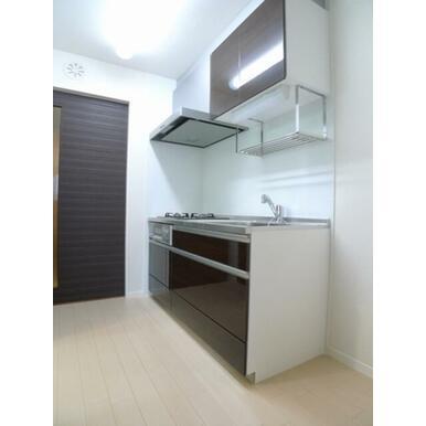 【キッチン】お部屋に匂いがつきにくい独立型キッチン!生活感を感じさせないおしゃれな生活を!