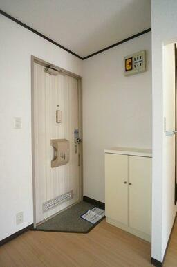 【玄関】玄関にはシューズボックスも設置!玄関をスッキリ使いましょう!