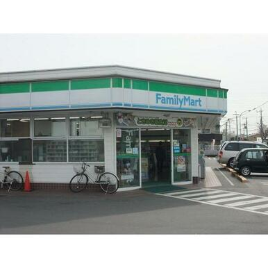 ファミリーマート川口東領家店