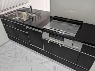 IH3口に食洗器付き!使い勝手の良いキッチンです♪