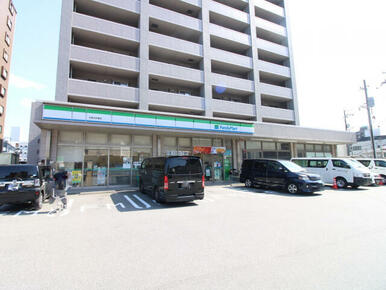 ファミリーマート広島大町東店