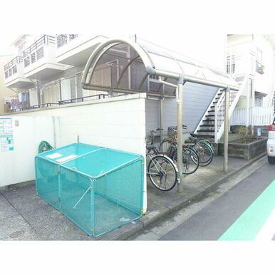 屋根付き駐輪場♪