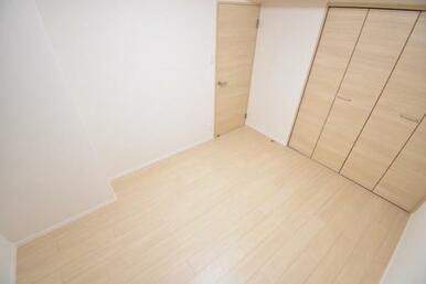 室内はリフォーム済みで快適な空間になっております