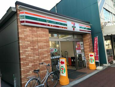 セブン-イレブン 横浜弘明寺駅
