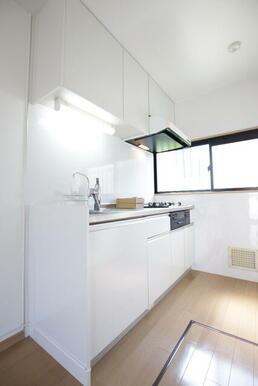 窓のあるキッチンスペース♪