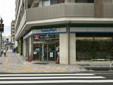 ファミリーマート 駒込霜降橋店