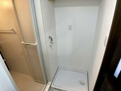 「脱衣室」洗濯パンや洗濯水栓も交換しています。