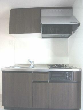【キッチン】ご入居者様が手持ちのコンロを使えるキッチンです♪壁付けのため空間を広くご利用頂けます☆キ