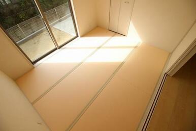 落ち着く畳の和室。客間としても利用できます♪