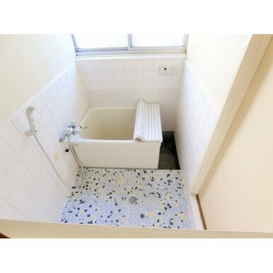 清潔感のあるキレイな浴室