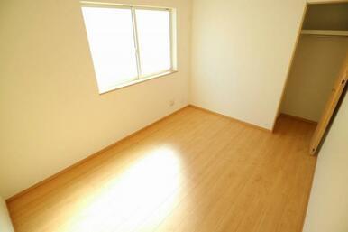 全居室に収納と窓がついており、快適に過ごせます!