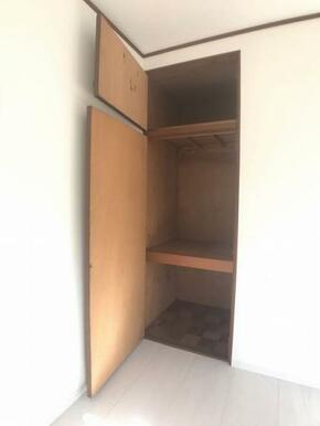 2階西側約6帖洋室収納スペース