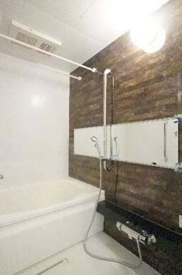 浴室暖房乾燥機付き♪