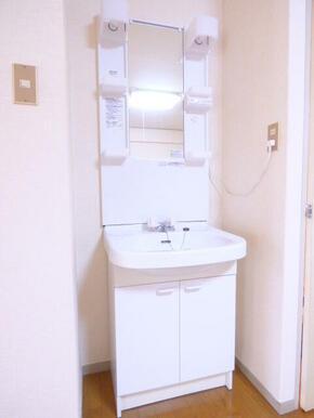 ★独立洗面台です★※同タイプ別部屋のお写真です。