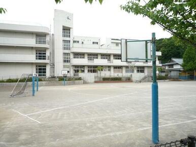 舞岡小学校