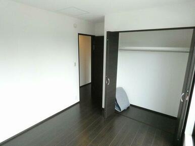 2階5.3帖洋室