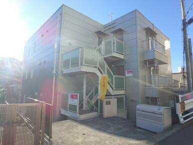 東海道新幹線停車駅新横浜から徒歩2分